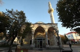 Tekirdağ'daki 480 yıllık Ayaspaşa Camisi zamana direniyor