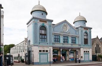 Dikkat çekici hikayeleriyle İngiltere'deki 6 tarihi cami