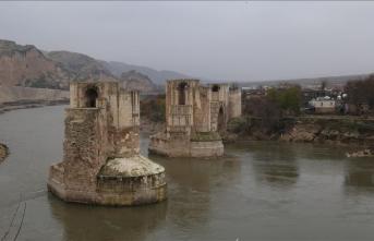 Hasankeyf'teki 609 yıllık Er-Rızk Camii'nin ana gövdesi taşındı