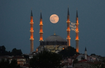 Ramazanın insanı inşa eden neşesi