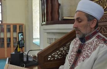 Tarihi camide mukabele geleneği canlı yayınla sürdürülüyor