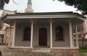 Şirin bir huzur adası: Kirazlı Mescit Camii