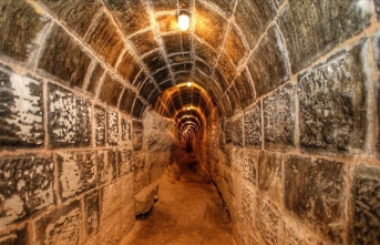 Tarihi Gaziantep Kalesi'nde tüneller ve su alanı bulundu