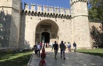 Bayramda müze ve tarihi camilere yoğun ilgi