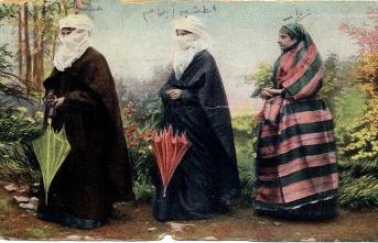 Şemsiyoloji: Hayatta ve Edebiyatta Şemsiyenin Tarihi