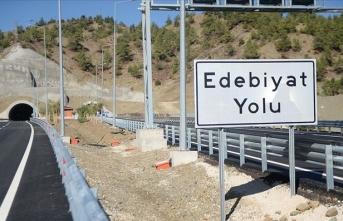 Türk edebiyatçılarının isimleri 'Edebiyat Yolu'nda yaşatılıyor
