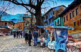 Uhuvvetten sekülerizme Bursa'nın ufak tefek taşları