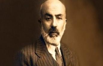 Geçmişten bugüne Mehmet Akif'i anlatan eserler