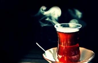 Çay içmeyi mi seversiniz çay şiirlerini mi?