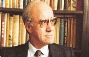 Türk edebiyatı kuramcısı ve tarihçisi Mehmet Kaplan'a dair