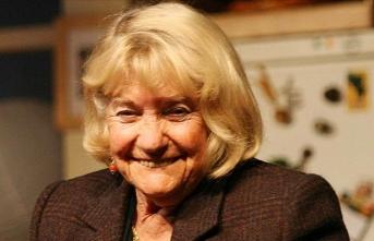 Tiyatronun hırslı ve başarılı kadını: Macide Tanır