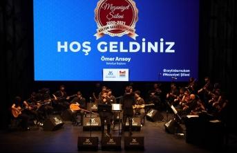 Zeytinburnu Kültür Sanat'ta mezuniyet coşkusu