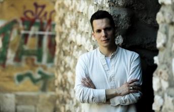 Boşnak şarkıcı Armin Muzaferija, Bursa'da sevenleriyle buluşmaya hazırlanıyor