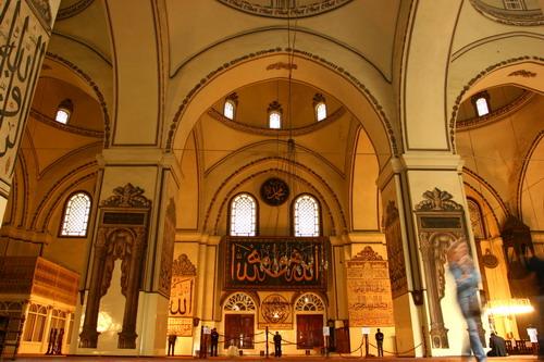 Ulu Cami minberinde öyle güzel bir ayrıntı...