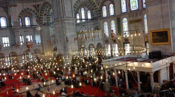 Fatih Camii yeniden şahlandı