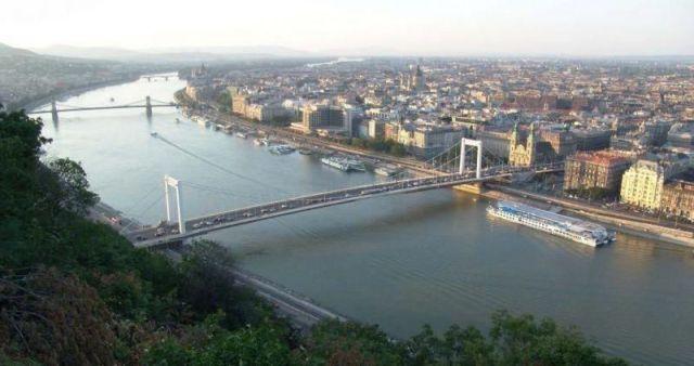 Tuna nehri en çok Budapeşte'ye yakışıyor (Video Haber)