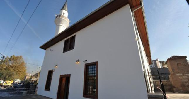 Tabakhane Camii ibadete açılıyor