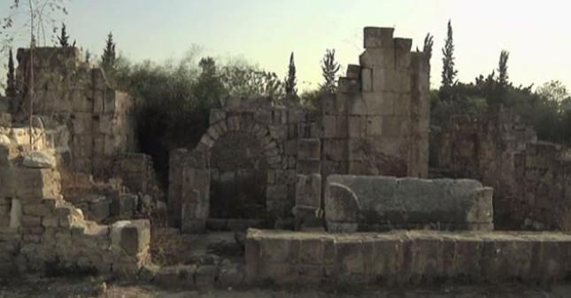 Sur kenti, yıkıntıların altında sır oldu (Video Haber)
