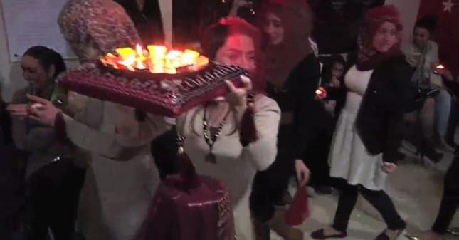 Beyrut'ta Türk usulü kına gecesi (video)