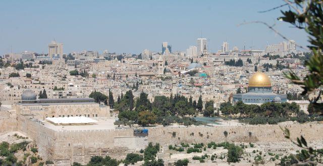 Kudüs masumdur... Kudüs nazlı... Kudüs...