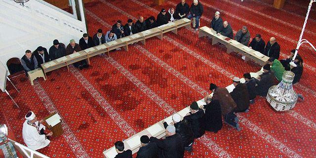 Cami aynı zamanda ilim halkaları mekanıdır