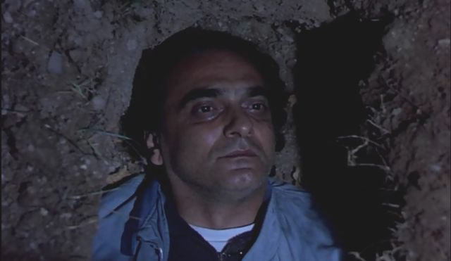 Kirazın Tadı filminde Mustafa Kutlu izleri