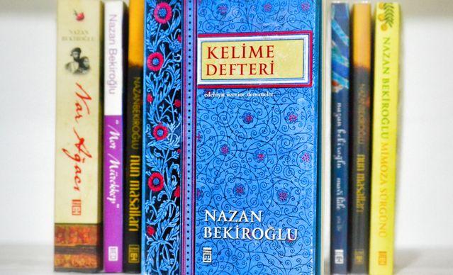 Kelime defteri tutan yazar Nazan Bekiroğlu