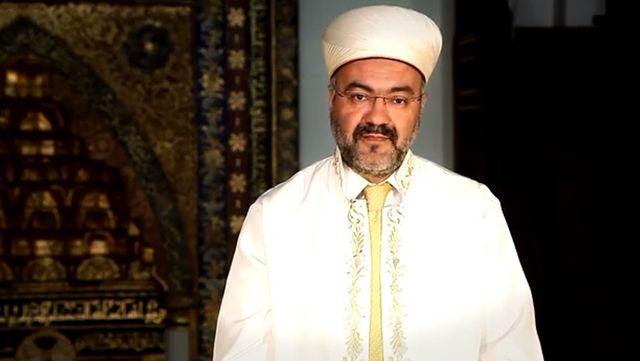 Ehl-i Beyt-i Mustafa'ya muhabbetsiz olmaz