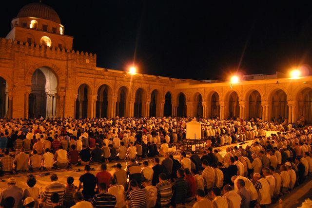 Tunus'ta Ramazan canlılık ve mutluluk ayı