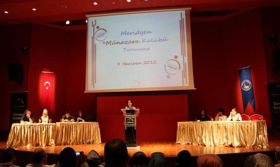 Meridyen Derneği'nin Gençlik Faaliyetleri İstanbul'da Birçok Gence Ulaşıyor