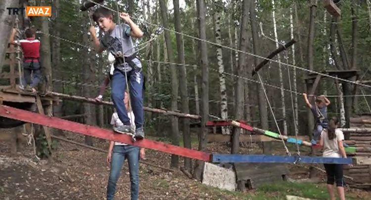 Vitoşa Dağı'nda Çocuklara Yönelik İzcilik Kampı (video)