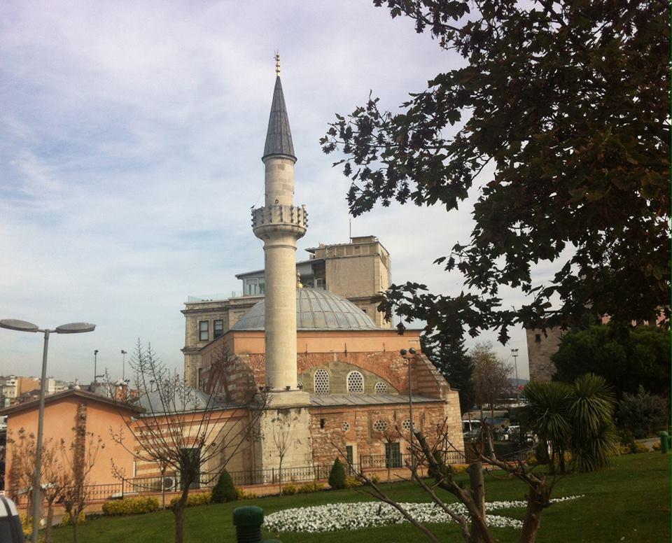 Depremde Su ile Dolan, 20 Yıl Onarılmayı Bekleyen Cami
