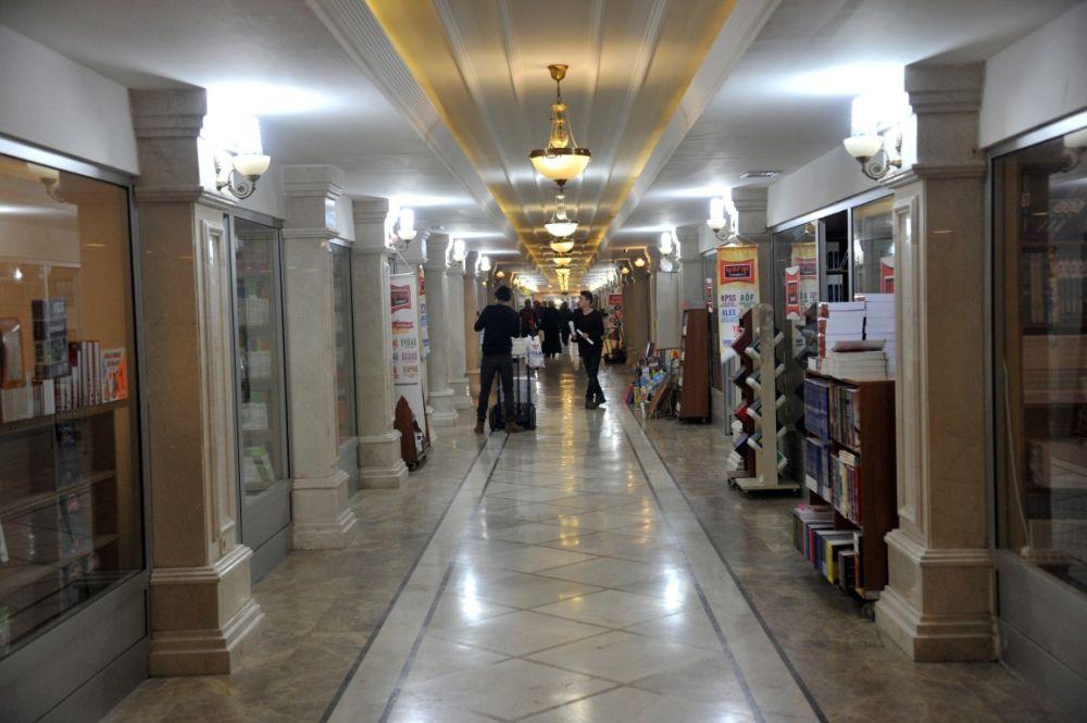 Zafer Çarşısı'nda Bir Darü'l Eman: Akabe Kitabevi