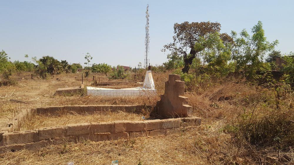 Mezar Taşları Tapu ise Burkina Fasolu Müslümanların Tapusu Yok