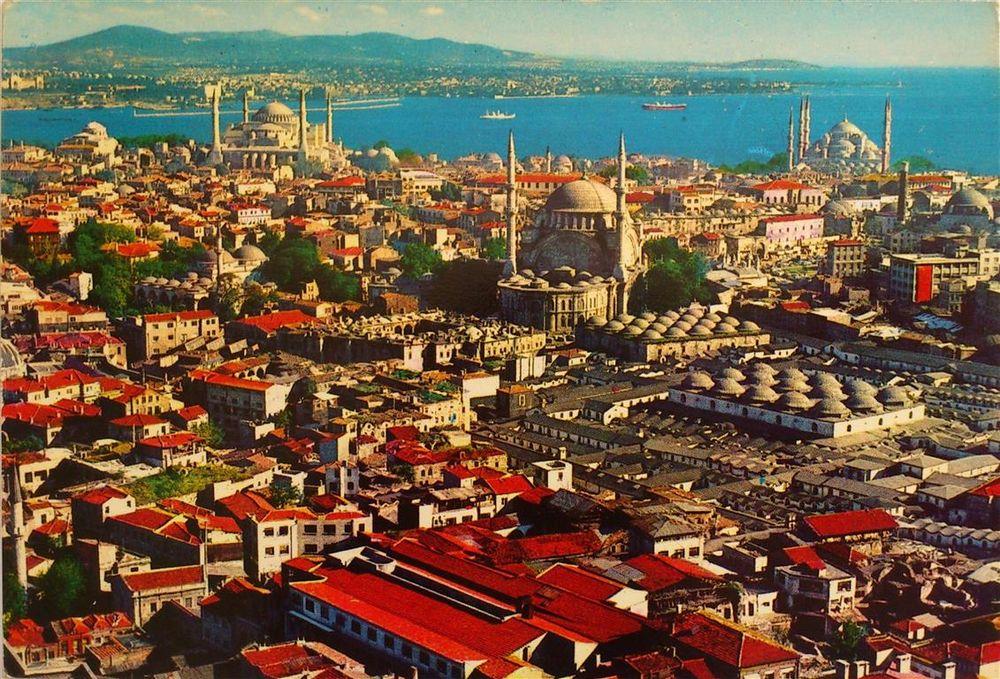 Ortası Yaşayan Bir Müze, Etrafı Ruhsuz ve Kimliksiz: İstanbul