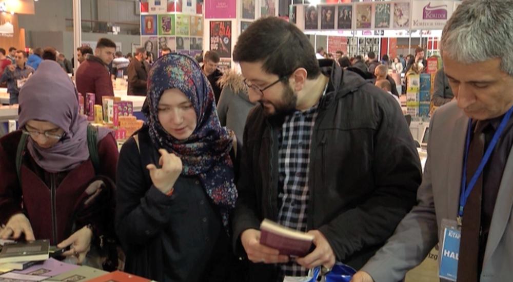 Türkiye'de Kitap Okunuyor mu; Yazarlara Sorduk