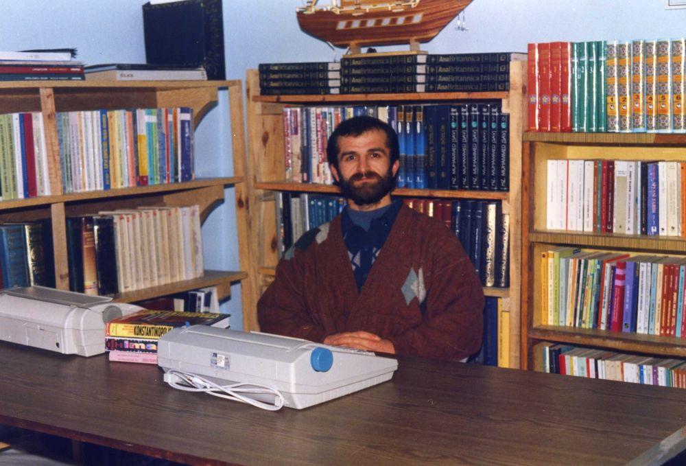 Atavi Osman Erdemir: Şiiri Şiir İçin Değil Bir Dava İçin Yazmalı