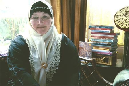 Velud Bir İngiliz Mühtedi: Ruqaiyyah Waris Maqsood