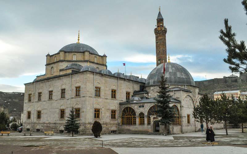 Ebu'l-Hasan Harakânî'den Tasavvuf Yolunun Esasları