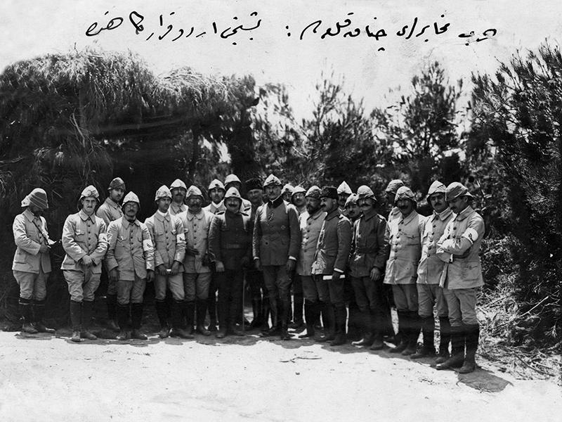 Enver Paşa'nın davetlisi edebiyatçılar, Çanakkale Savaşı'nı nasıl anlattılar?