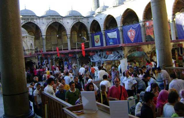 Diyanet Kitap Fuarı Sultanahmet'e Geri Dönüyor
