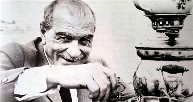 Kemal Tahir'in Mayk'ı Biraz Kelleci Memet, Biraz Kamil Bey