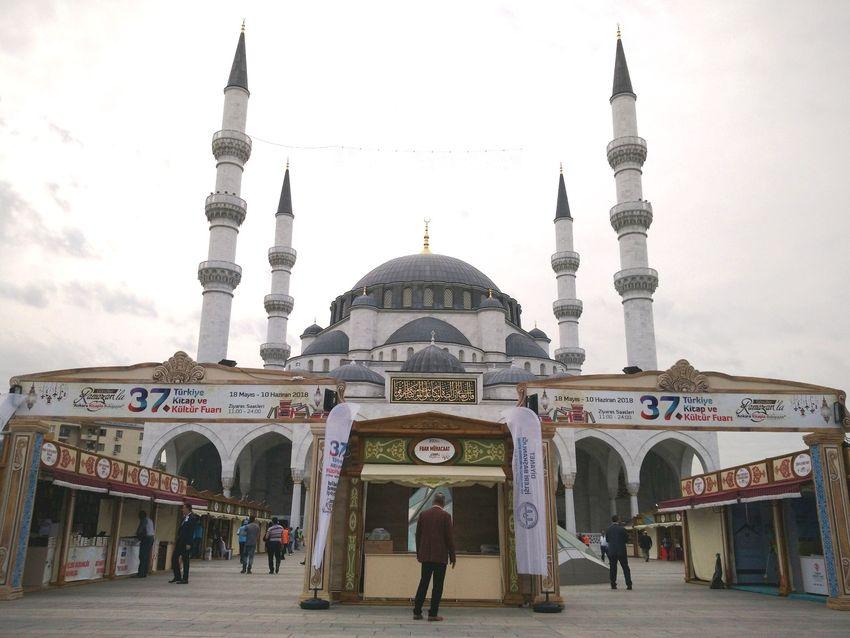 Ankara'nın Merkezinde Kitap ve Kültür Fuarı