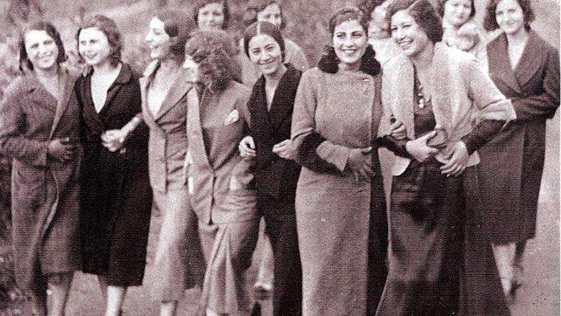 Cumhuriyetin Önerdiği Öncü Kadınlar