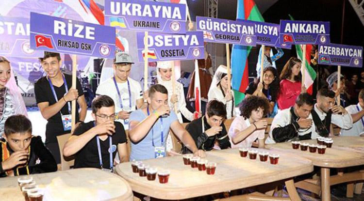 Rize'de Uluslararası Tulum Ve Müzik Festivali Başladı