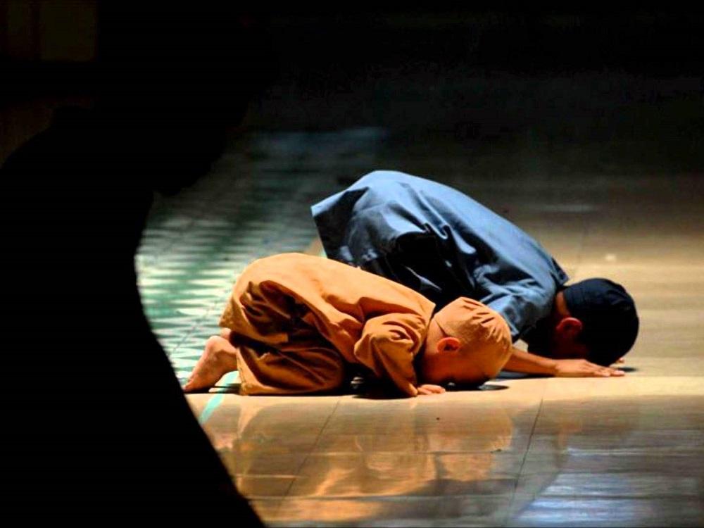 Namaz Günde Beş Vakit İnsana 'Ne Olduğunu' Hatırlatır