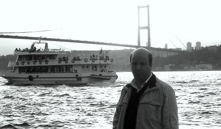 Ateşteki Pervane: Mustafa Oğuz
