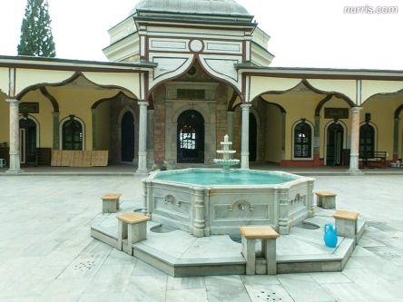 Emir Sultan pasifist miydi?