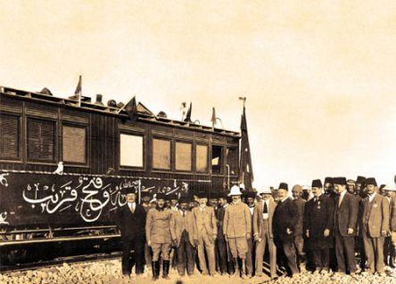 Trenle Kâbe'ye gitmek istiyoruz!