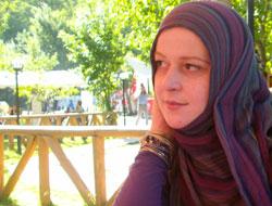 Zeynep Arkan'ın emin şiiri!